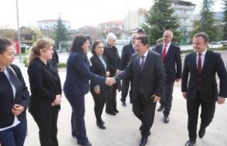 Vali Balkanlıoğlu Sapanca Kaymakam Vekilini Ziyaret...