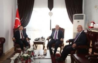 Afyonkarahisar Valisi Tutulmaz ve Belediye Başkanı...