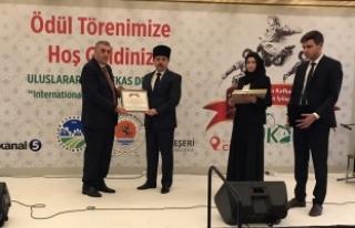 Kafkaslardan Toçoğlu'na 'Yılın Başkanı Ödülü'