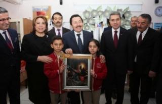 Vali Balkanlıoğlu, Öğrencilerin Karne Heyecanına...