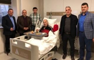 Sapanca AK Parti İlçe Teşkilatı hastaları ziyaret...