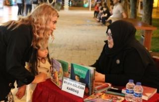 Kitap Sokağı'nda dinleti ve imza günleri