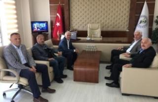 İspiroğlu'ndan, Kaynarca Belediye Başkanı Zeynur...