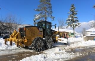 Karla mücadele çalışmalarımız aralıksız devam...