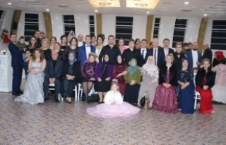 Levent Bal'dan dillere destan düğün