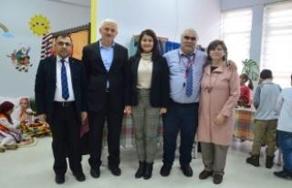 40 Yıl Biriktirdi Okulunda Sergi Açtı