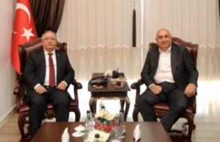 Milletvekili Özkoç'tan Vali Nayir'e Ziyaret