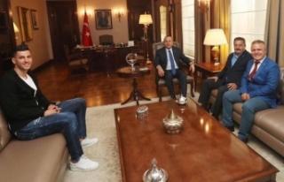 Bakan Çavuşoğlu'nu ziyaret ettiler