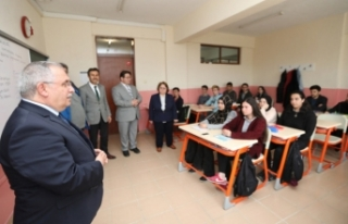 Vali Nayir Güneşler Anadolu Lisesini Ziyaret Etti