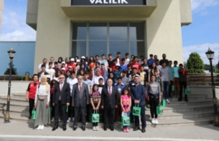 Biz Anadoluyuz Projesi Gençleri Vali Nayir'in Konuğu...