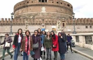 Liseli Kızlarımız Avrupa'da Mesleki Eğitim...