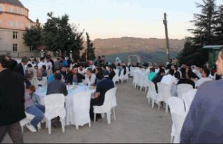 TRT Haber Açmabaşı Köyü'nde iftarda Canlı...