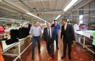 Vali Nayir Fabrika Ziyaretlerini Sürdürüyor