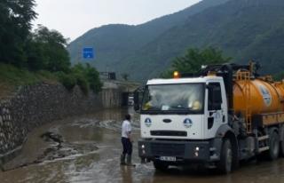Yağıştan etkilenen bölgelere kritik müdahaleler