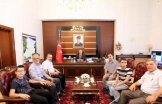 Anadolu Engelliler Dernek Yönetimi ve Öğrencilerden...