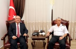 Jandarma Genel Komutanı Çetin'den Vali Nayir'e...