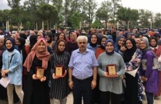 Vali Mustafa Büyük Kız AİHL'den Üniversite...