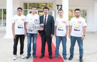 SUBÜ Öğrencilerinin sualtı aracı teknofest'te