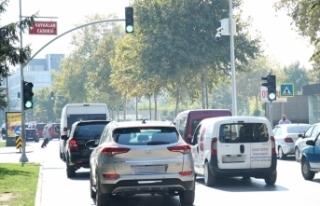 Trafik ışıklarında araçlara yeşil flaş uygulaması...