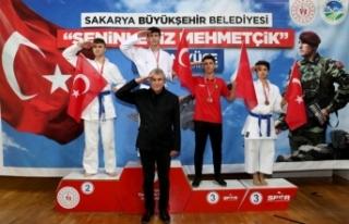 Kahraman Mehmetçiğimize selam olsun