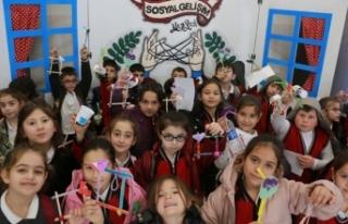 230 okuldan 22 bini aşkın öğrenci SGM'lere misafir...
