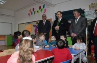 Başkan Karakullukçu, Çocukların karne heyecanına...