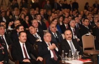 Vali Nayir üst düzey çalıştayına katıldı