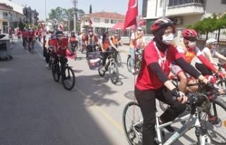 19 Mayıs bayramı kapsamında caddelerde pedal çevirdiler