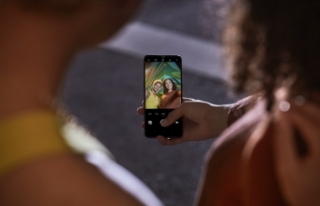 Dünyanın İlk 44MP Ön Kamerası İle Evlerde Selfie...