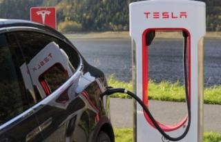Tesla araba sahiplerinin kişisel bilgileri ebay'de...