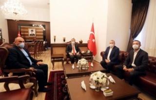 Büyükelçi Dişli'den Vali Çetin Oktay Kaldırım'a...