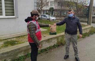 Büyükşehir'in 'Her Eve Maske' dağıtımı...