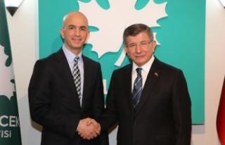 Gelecek Partisi 1. Yaşında Serbes: Korku duvarını...