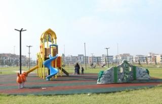 Parklar Yenileniyor, Dezenfekte Ediliyor