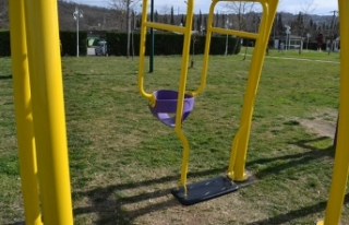 Sapanca'nın Parklarına Anne-Bebek Salıncağı