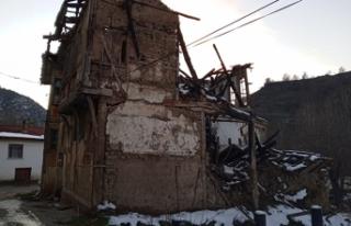 Taraklı'da metruk binalar tehlike saçıyor