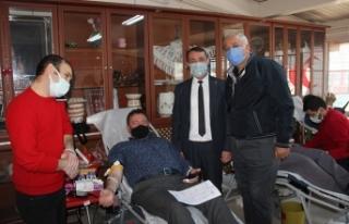 Başkan Gündoğdu Kan bağışı kampanyasına destek...