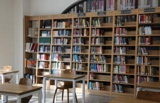 Serdivan Fikir Sanat Kütüphanesi Kitapseverleri...