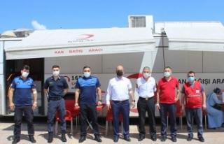 Arifiye Belediyesi Personelinden Kan Bağışı Kampanyasına...