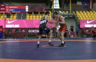 Büyükşehirli milli güreşçi Avrupa Gençler Şampiyonası'nda...