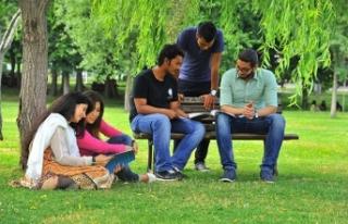 Sakarya Üniversitesi YÖK Sanal Fuarında Öğrencilerle...