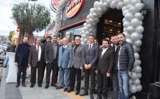 Serdivan'da Gevrek Tavuk The Joud Caffee hizmete girdi
