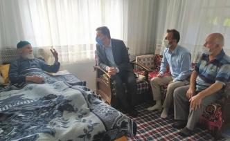 Kaymakam Küçük Yaşlıları Evinde Ziyaret Ediyor