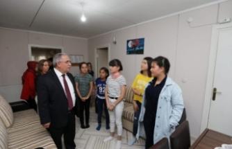 Vali Nayir Arifiye Çocuk Evleri Sitesindeki Çocuklarla İftar Sofrasında Buluştu