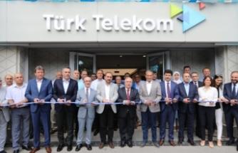 Yenilenen Sakarya Türk Telekom Müşteri Merkezi Hizmete Açıldı