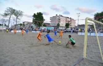 Karasu'da Plaj Futbolu Heyecanı Başlıyor