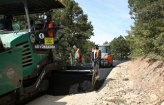 Büyükşehir asfalt ekipleri Taraklı'da