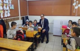 Kaymakamı Atatürk İlköğretim okulunu ziyaret etti