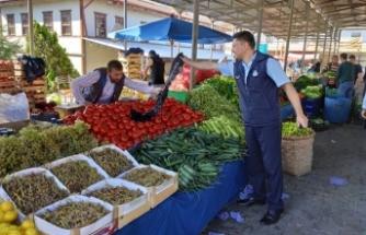 Taraklı'da Pazar yerinde çöp poşeti uygulaması