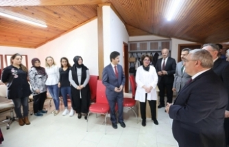 Vali Nayir Serdivan Halk Eğitim Merkezini Ziyaret Etti